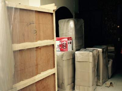 L.G packers and movers img 1