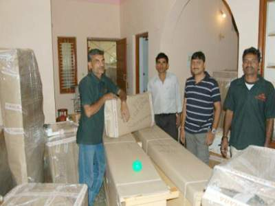 vinayak packers and movers img 1