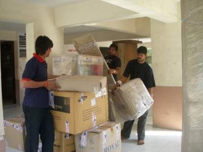associated kozhikode packers and movers img 1