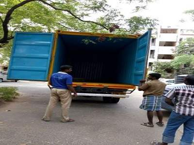 jay hubli packers and movers img 1